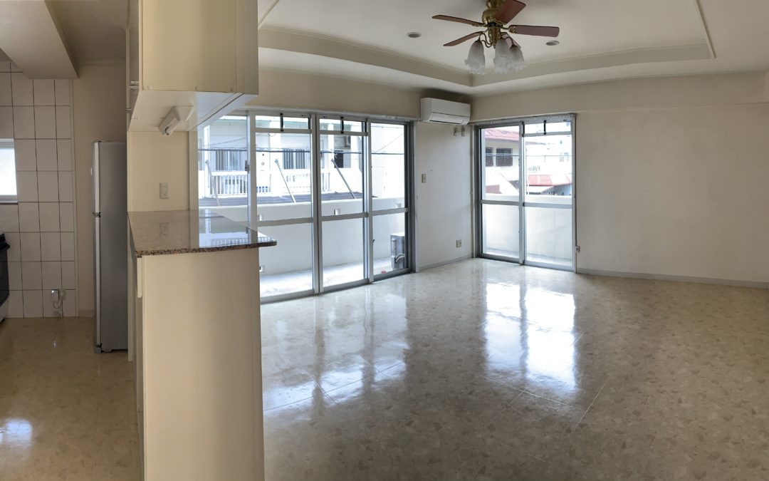Perfect property for ocean lovers! Just a couple of blocks away from Sunabe seawall